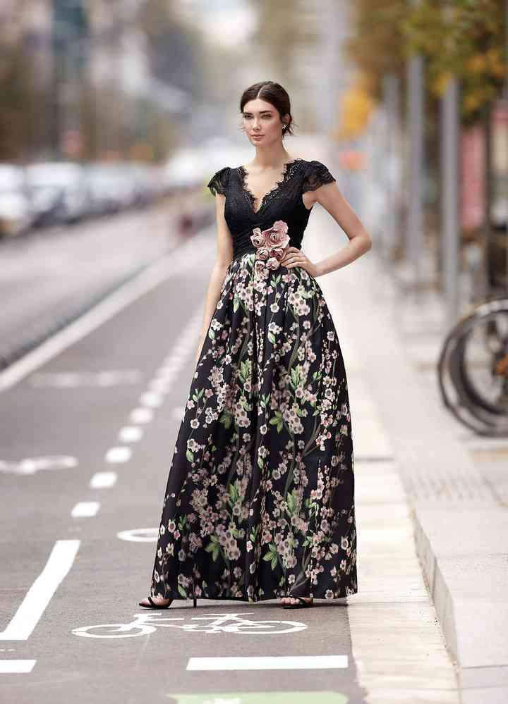 super popolare 8ad56 7fb76 Abiti da cerimonia 2018: 25 imperdibili vestiti di Carla Ruiz
