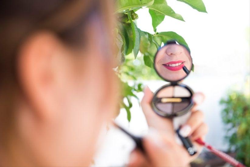 5 prodotti di bellezza indispensabili per truccarvi da - Un giorno di sole gemelli diversi ...