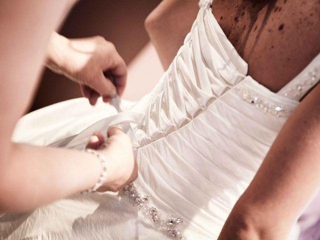 Consigli per sfoggiare un vitino da vespa in abito da sposa