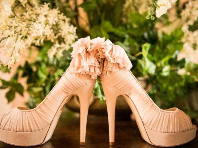 41 modelli di scarpe colorate che un'invitata non dovrebbe perdersi!