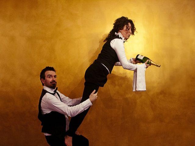 La nuova frontiera dell'intrattenimento per matrimoni? I camerieri pazzi!