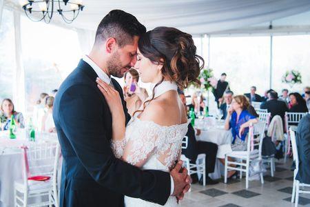 Quale canzone d'amore dovreste mettere per il vostro primo ballo?