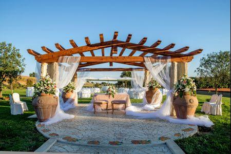 Foto come decorazione di un matrimonio in campagna for Decorare un piccolo giardino