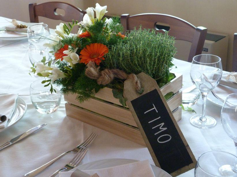 99 idee originali per centrotavola di matrimonio a cui - Rami decorativi per vasi ...