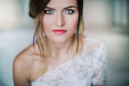 Trucco sposa per occhi azzurri: come risaltare il vostro sguardo il giorno delle nozze!