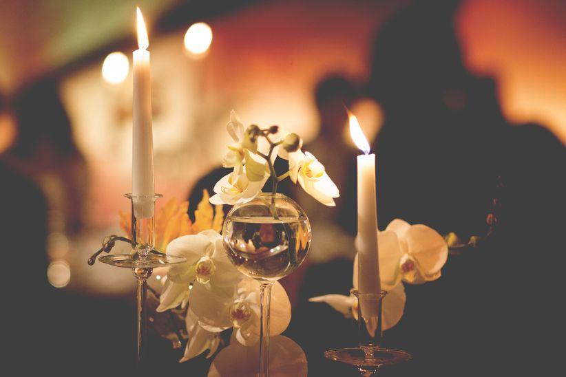 Modi per illuminare il vostro banchetto usando le candele come