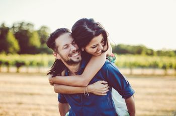 Le 10 idee regalo più romantiche e sorprendenti per celebrare il primo anniversario