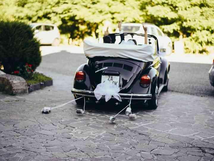 Partecipazioni Matrimonio Con Fiat 500.I Barattoli Di Latta Dell Auto Degli Sposi Una Tradizione
