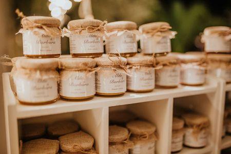 Barattoli di marmellata come bomboniere di nozze: come personalizzarle?