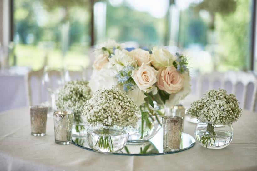 23 modi per illuminare il vostro banchetto usando le for Addobbi tavoli matrimonio con candele