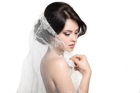 Acconciatura da sposa con velo