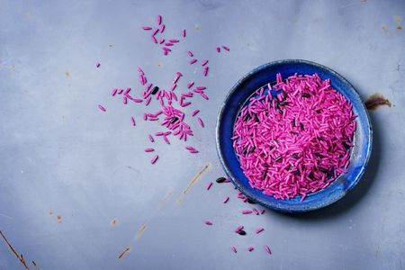 Come realizzare il riso colorato Fai da Te per i festeggiamenti?