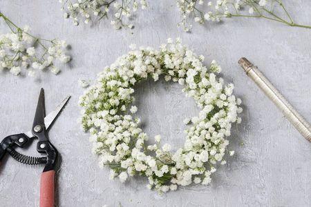 Fai da te: come realizzare una corona di fiori