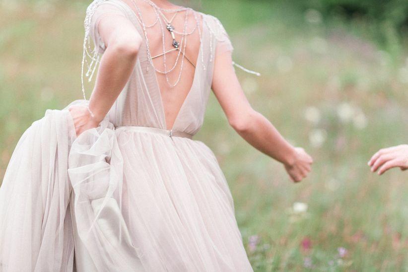 Tutti sanno alla perfezione che i prezzi degli abiti da sposa sono  decisamente elevati 2558b98efd2