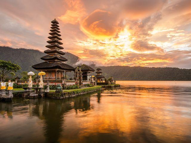 Luna di miele a Bali: cultura e spiagge selvagge
