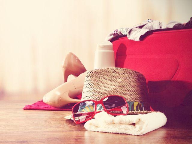 La valigia perfetta per la luna di miele: cosa mettere in base alla destinazione