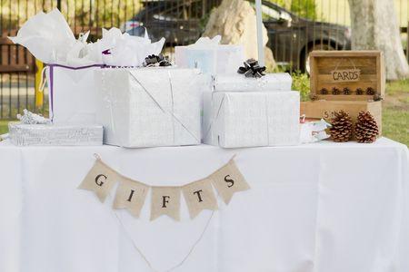 I 5 regali meno utili per gli sposi