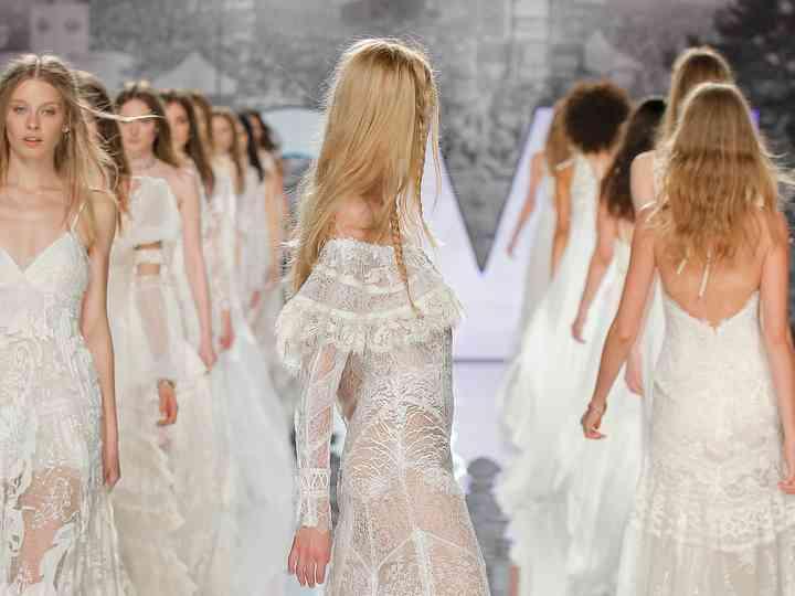 Vestiti Da Sposa Yolan Cris.Vestiti Da Sposa Yolancris 2018 L Inconfondibile Essenza Del Bohemien