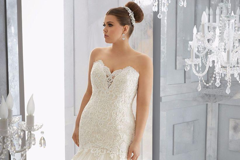 e9b0a86c6a2 I 5 consigli imprescindibili per scegliere un abito da sposa curvy