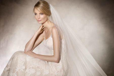 Velo da sposa a cattedrale: l'evergreen delle spose classiche