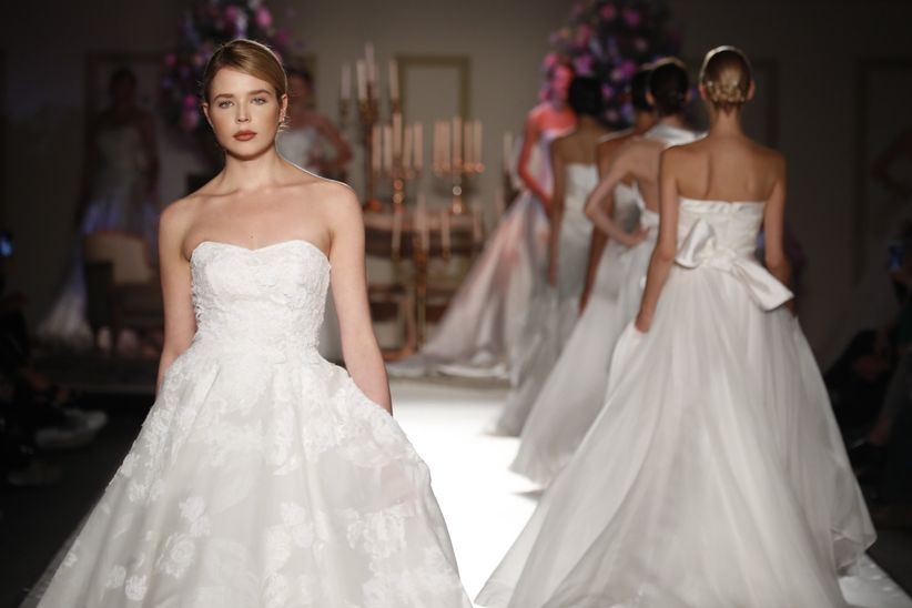 b0574f5ad595 Sulle passerelle bridal di Sì Sposaitalia va in scena un romanticismo  tipico di un epoca lontana