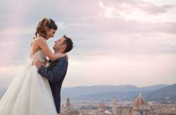 L'amore è nell'aria e profuma di rose: le nozze di Claudio e Martina