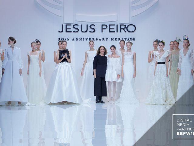 Abiti da sposa Jesús Peiró 2019: eclettica eleganza