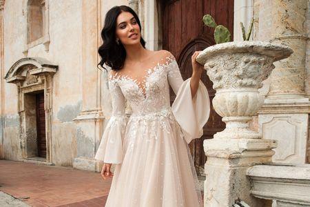 Tutti i tipi di maniche degli abiti da sposa