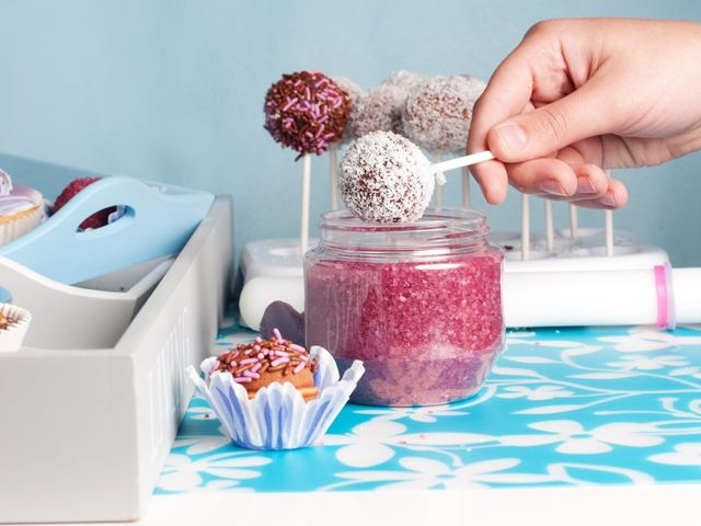 Prova anche tu a fare i cake pops per il tuo matrimonio!