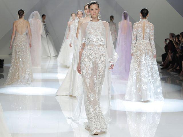 Vestiti da sposa 2018  le nuove collezioni della Barcelona Bridal Fashion  Week 3ef1a6d5296