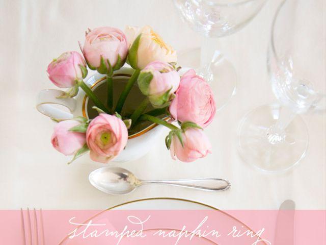 Portatovaglioli in carta Kraft con stampa floreale