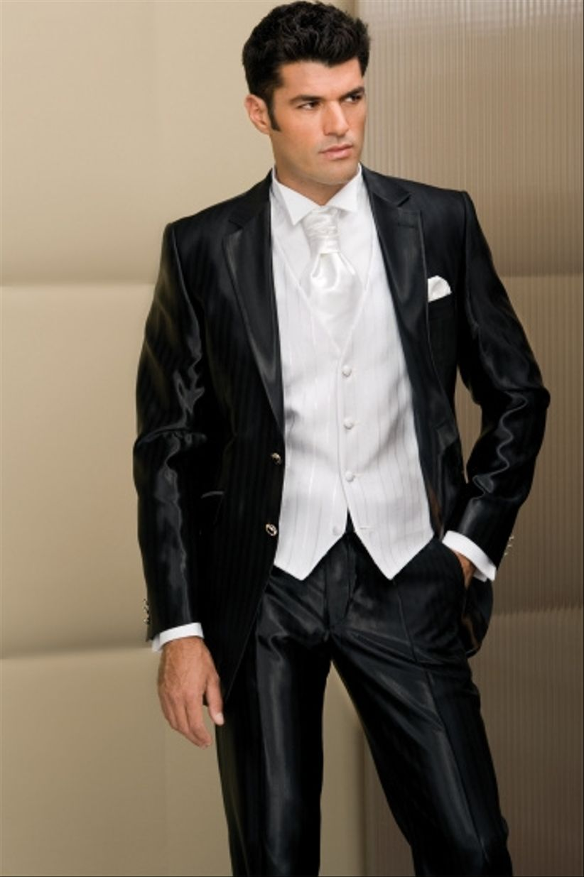 Scelta abito da sposo for Trajes de novio blanco para boda