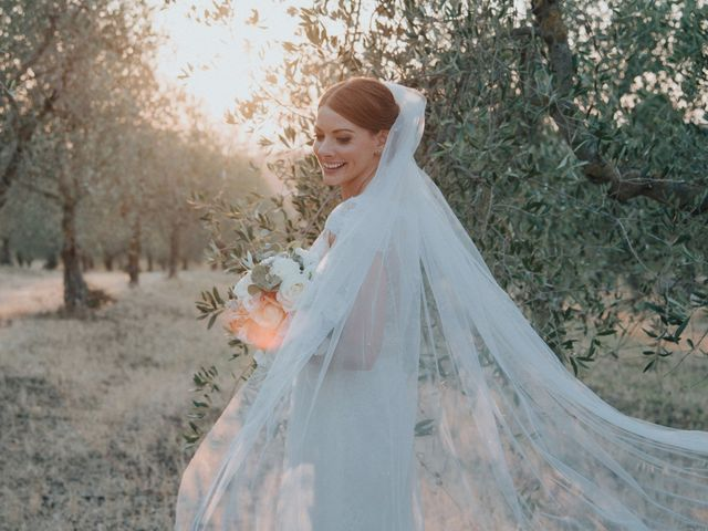 Quale acconciatura da sposa scegliere con il velo?