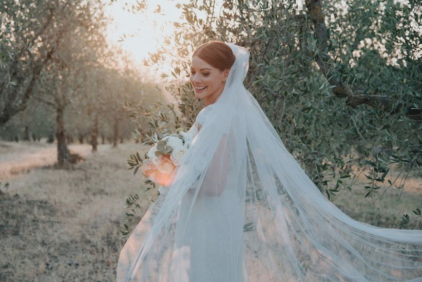 6de977da552b Quale acconciatura da sposa scegliere con il velo