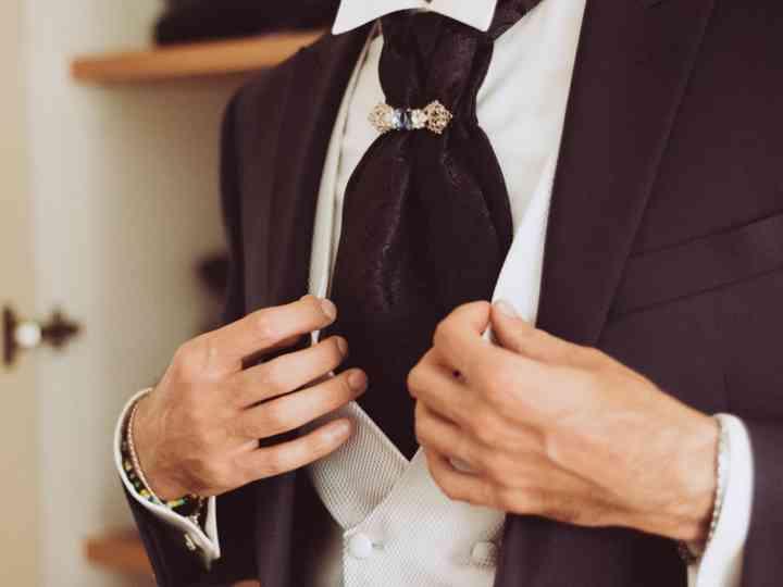 sfumature di attraente e resistente ottimi prezzi Cravatta o lavallière: cosa scegliere per l'abito da sposo?