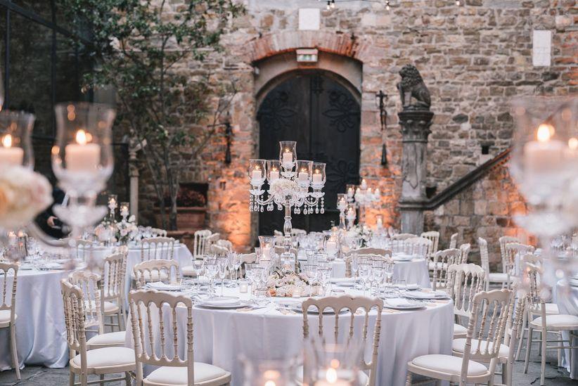Gli 8 elementi essenziali per la decorazione dei tavoli for Addobbi tavoli matrimonio con candele