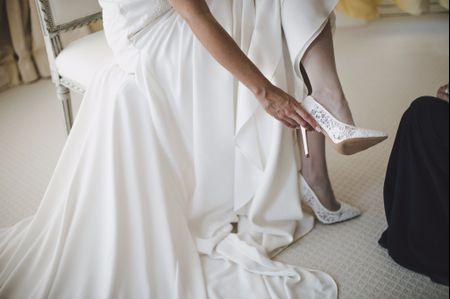 Calze sì, calze no: sotto il vestito da sposa le indosserete?