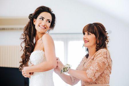 Madre della sposa: 6 consigli per la scelta dell'abito