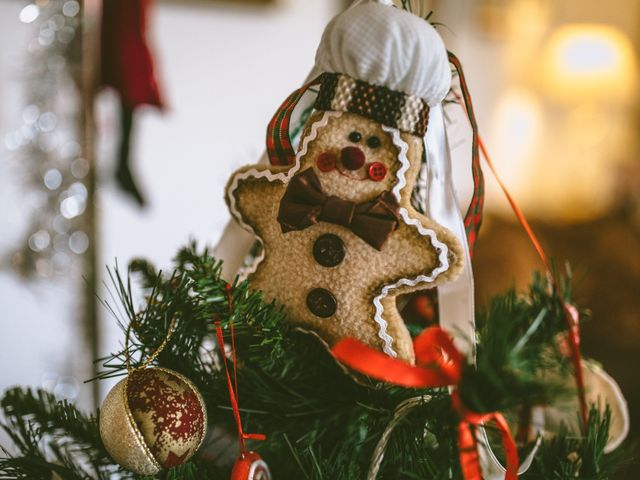 4 romantici regali di coppia da scambiarvi sotto l'albero di Natale