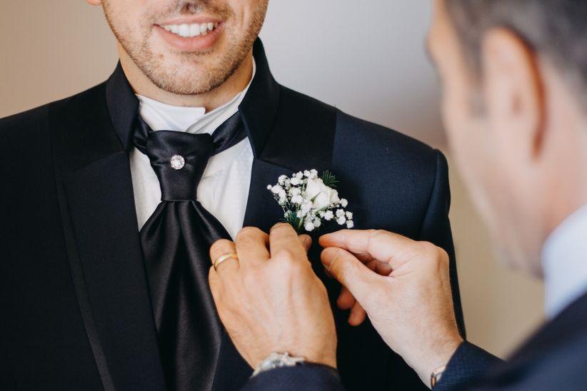 3936b7a6b8eb 4 consigli per scegliere la cravatta da indossare al vostro matrimonio