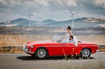 Gli sposi e l'auto di nozze: le foto ricordo che non potranno mancare!