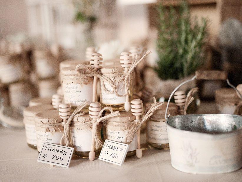 Bomboniere Matrimonio Stile Rustico : Decorazioni con erbe aromatiche: una scelta green che profuma di