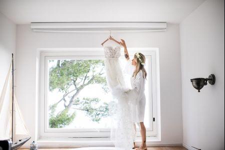 Il look da sposa impeccabile per le nozze in spiaggia