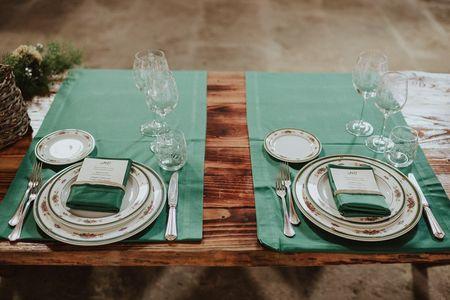 La preparazione dei tavoli: 5 consigli per scegliere il tovagliato