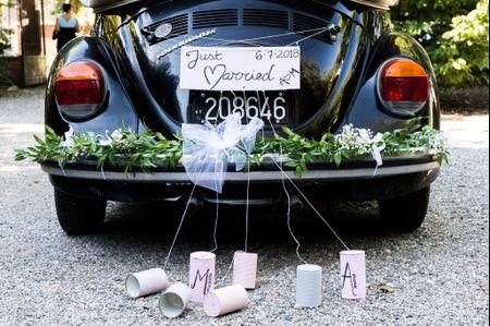 5 scherzi insoliti per l'auto degli sposi