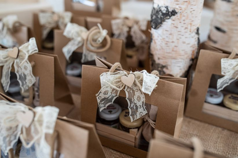 Bomboniere Matrimonio Stile Rustico : 7 modi efficaci e dimpatto per presentare le bomboniere