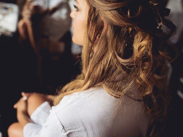 Capelli più lunghi in poche ore? Applicate le extension per l'acconciatura da sposa!