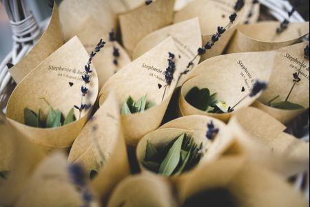 L'arte del recupero: decorazioni di nozze con lattine e altri materiali riciclabili