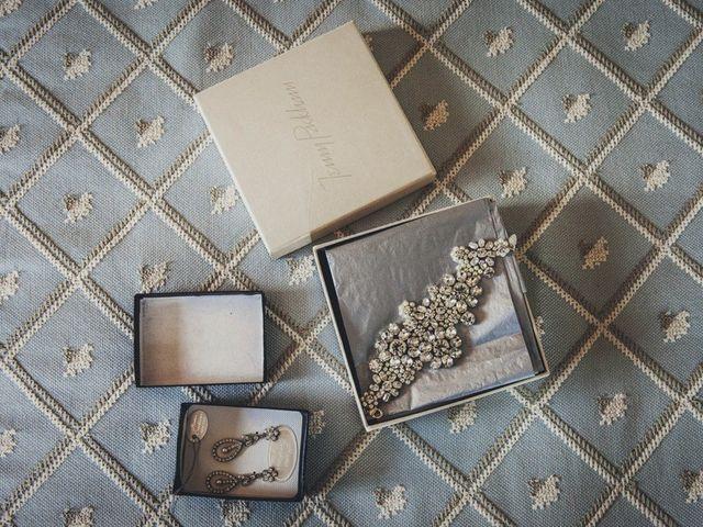 Bianco e grigio: la nuova combinazione cromatica per giurarsi amore eterno