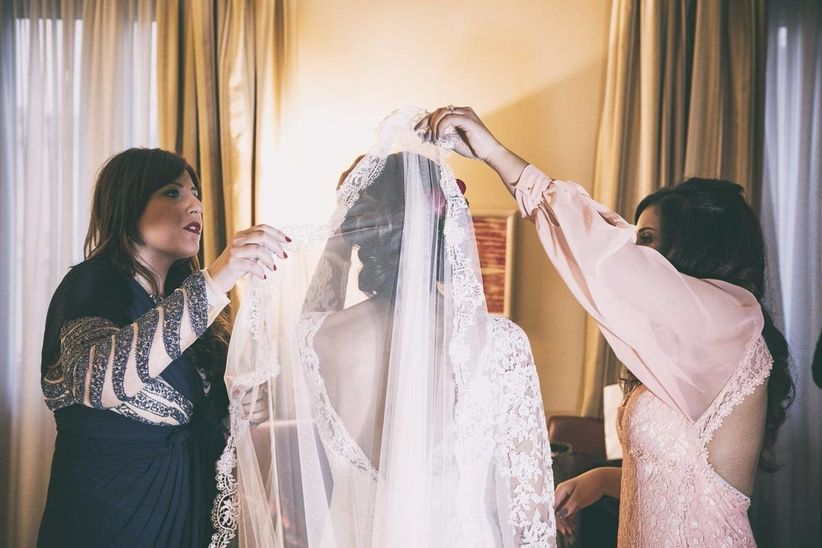Velo da sposa in stile mantiglia spagnola for Stile missione spagnola
